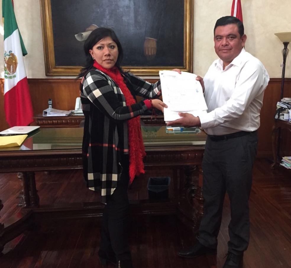 Piden vecinos de Tizatlán a la alcaldesa capitalina obra urgente