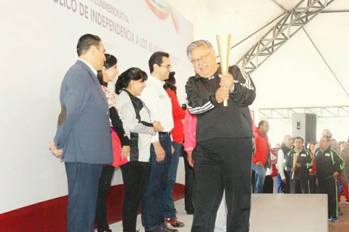 Recibe Fuego Símbolico de Independencia el Presidente Municipal de Contla
