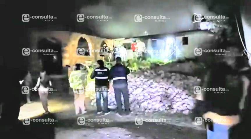 Se incendia taller de velas en Tzompantepec