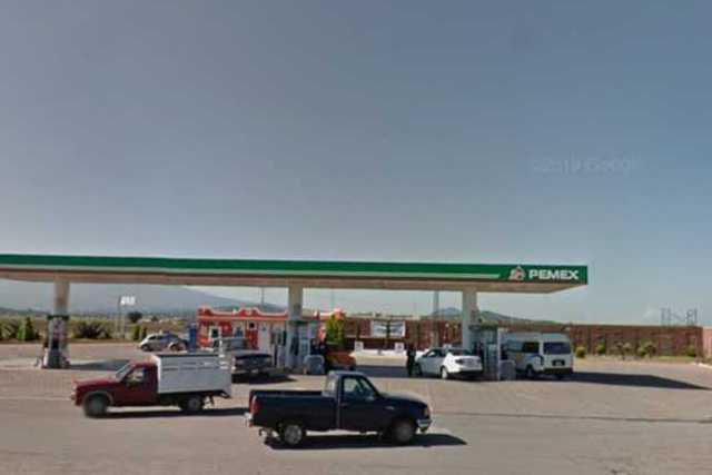 Hampones atracan gasolinera en Xaloztoc