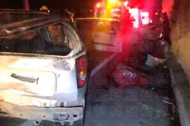 Muere una persona en aparatoso accidente en Totolac