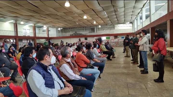 Entrega en Ixtacuixtla vales para construcción de infraestructura en comunidades