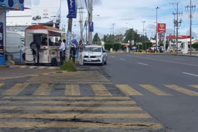 Sanción para policías que no respetan la vía pública, piden ciudadanos