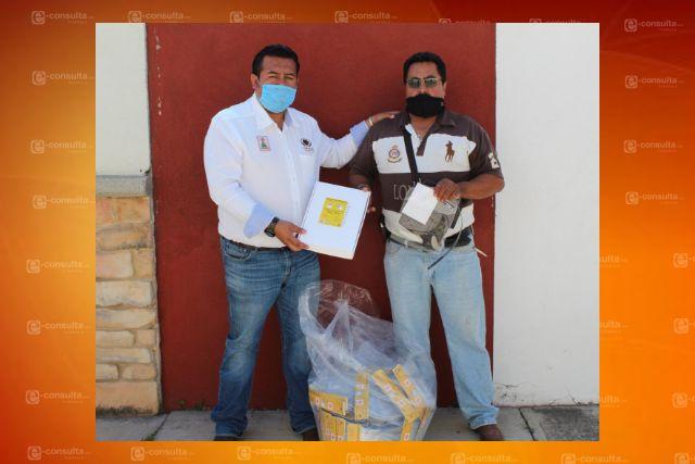 Presidente de Tzompantepec realiza segunda entrega de material de prevención contra Covid 19