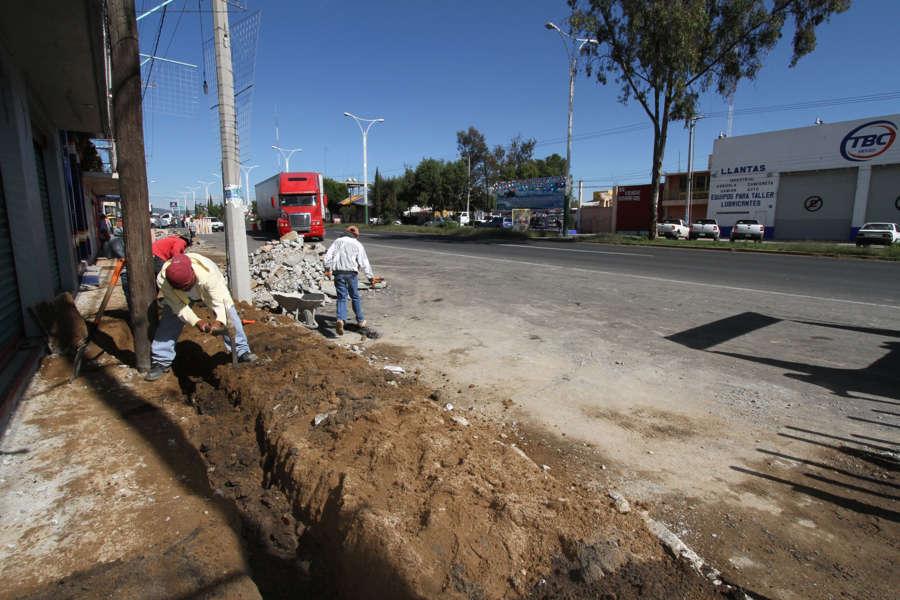 Mejoran imagen urbana en calles de Calpulalpan