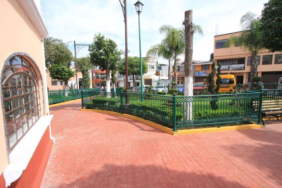 Realizan obras de mejora de imagen urbana en Papalotla