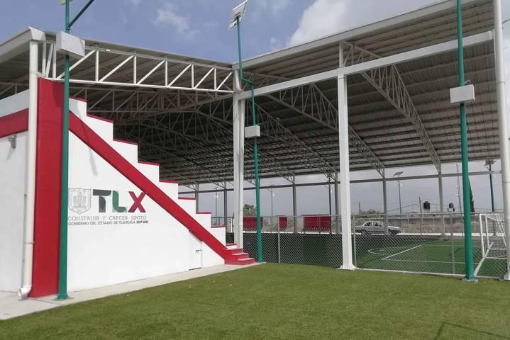 Concluye Secoduvi construcción de cinco canchas deportivas