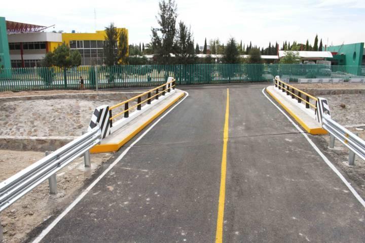 Concluye Secoduvi puente vehicular de la Universidad Politécnica