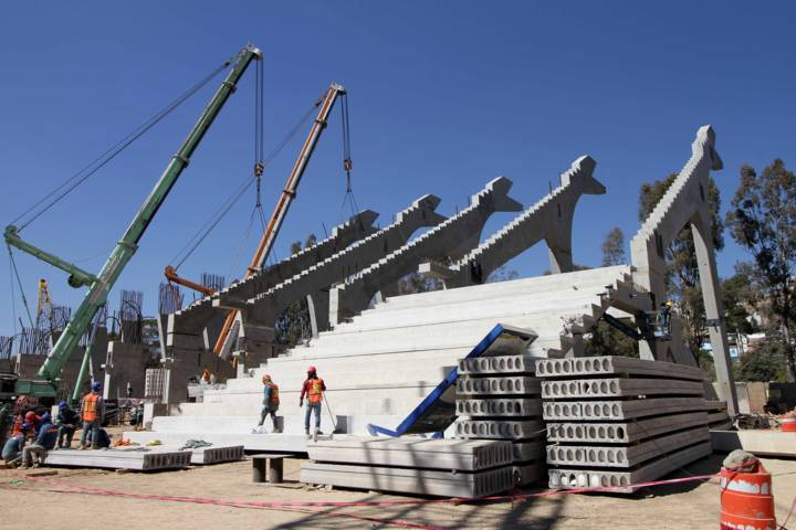 Avanza colocación de gradas del Estadio Tlahuicole: Secoduvi