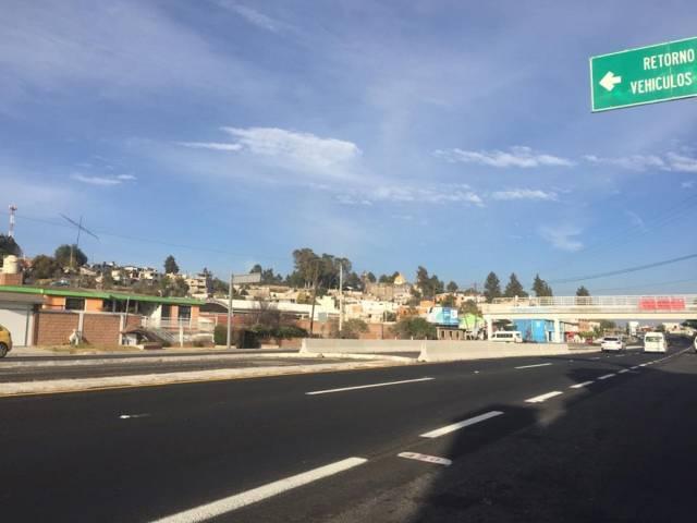 Realizan cierre temporal del retorno de Tizatlán en la Carretera