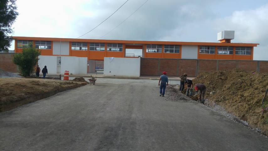 Pavimenta Secoduvi acceso de las Primarias Luis G. Salamanca y Adolfo López Mateos