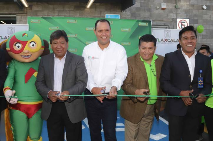 Inaugura Sedeco Bodega Aurrerá en Teolocholco