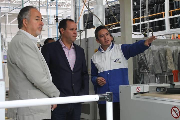 Fortalece SEDECO acercamiento con empresas de los sectores químico y automotriz