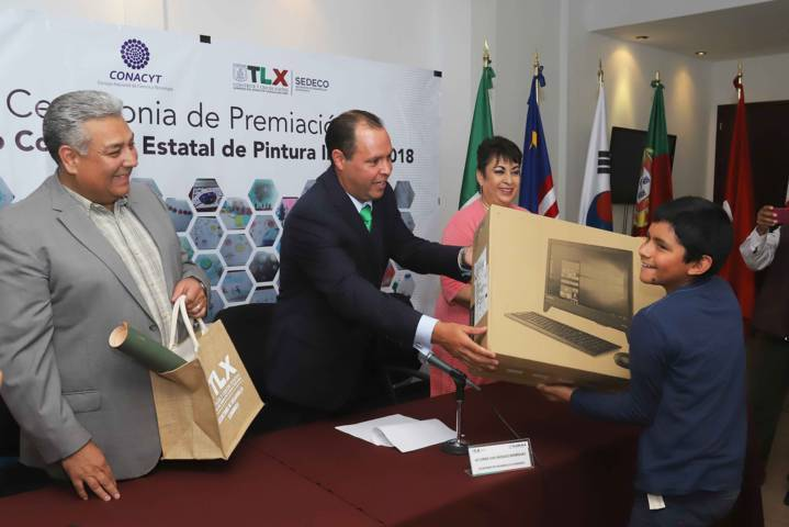Premian a ganadores del Concurso de Pintura en Pro de la Ciencia