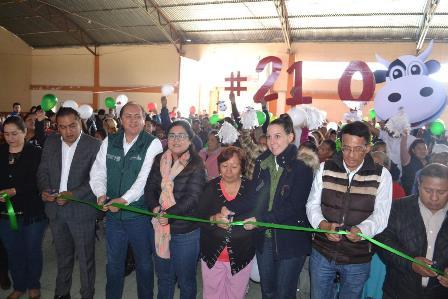 Inaugura Sedesol en Tlaxcala lechería 210 en Chiautempan