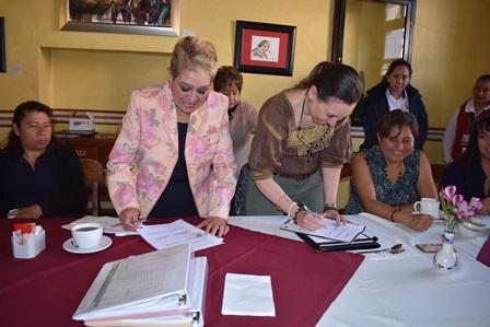 Firman convenio Sedesol y Cossies en materia de servicio social