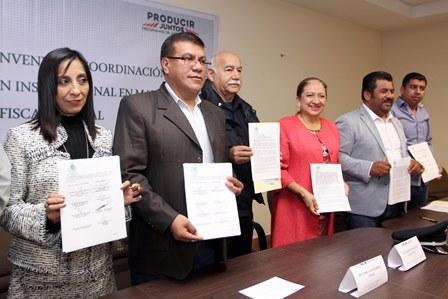 Firman convenio para movilización de ganado en Tlaxcala