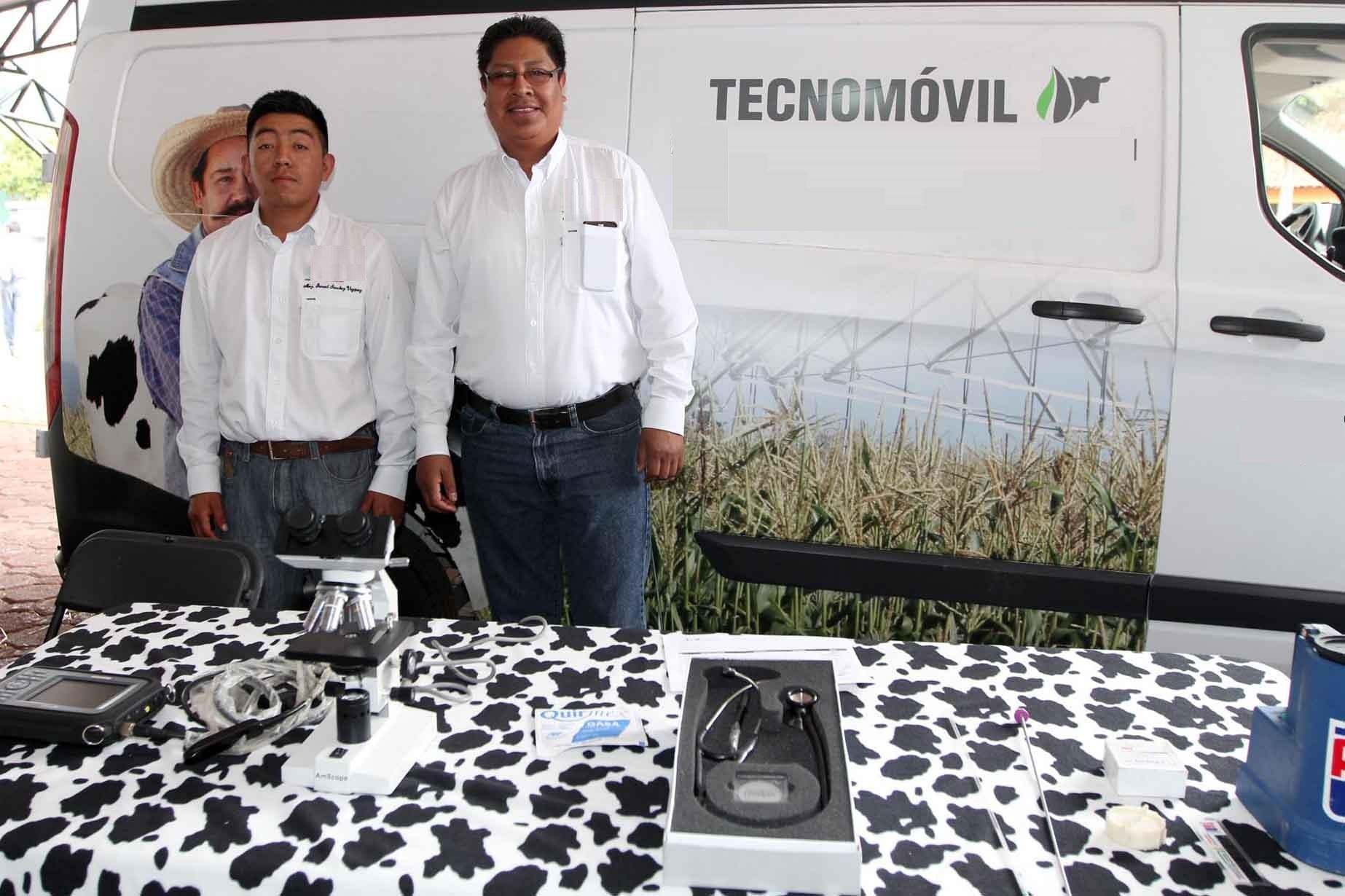 Orienta SEFOA a productores con servicio de Tecnomóvil
