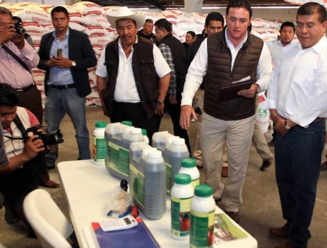 Invierte SEFOA más de un mdp para prevenir malezas en cultivos básicos
