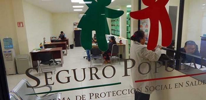 Por sindicalizarse pierden empleos en el Seguro Popular