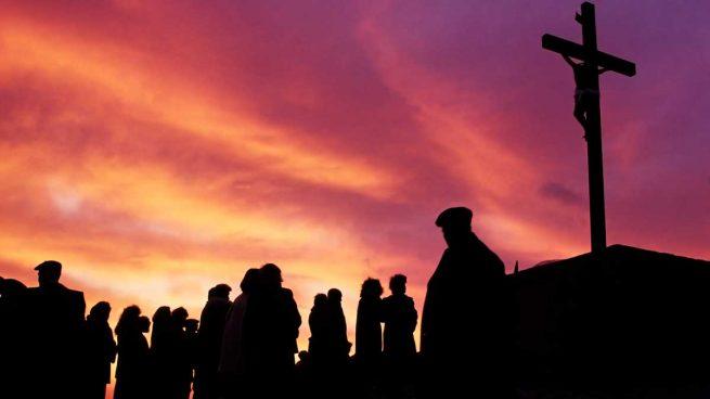 Realizan representación de Viacrucis en Santa Ana Chiautempan
