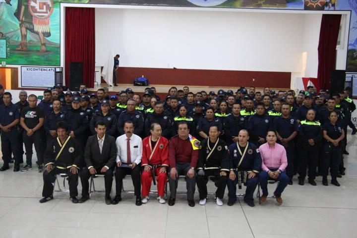 Policía Municipal se profesionaliza Tácticas en Defensa Personal