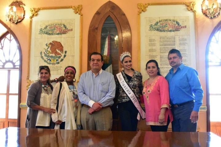 Alcalde recibe a Jessica Juárez quien participara en el concurso Mexicana Universal