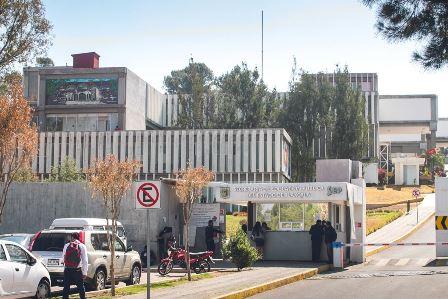Atiende autoridades a padres de familia de la Técnica 45 de Texcalac