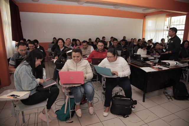 Reporta alta participación cursos de capacitación docente