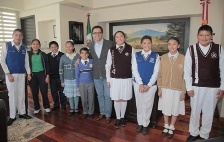 Nueve alumnos tlaxcaltecas participarán en olimpíada de matemáticas