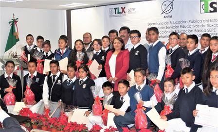 Premian a 30 alumnos del Subsistema de Telesecundaria de Tlaxcala