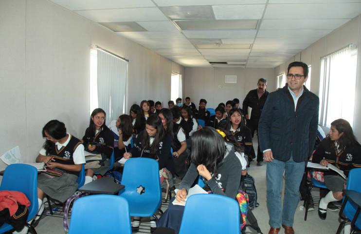 Constata Secretario de Educación buen funcionamiento de aulas temporales en CBTIS 211