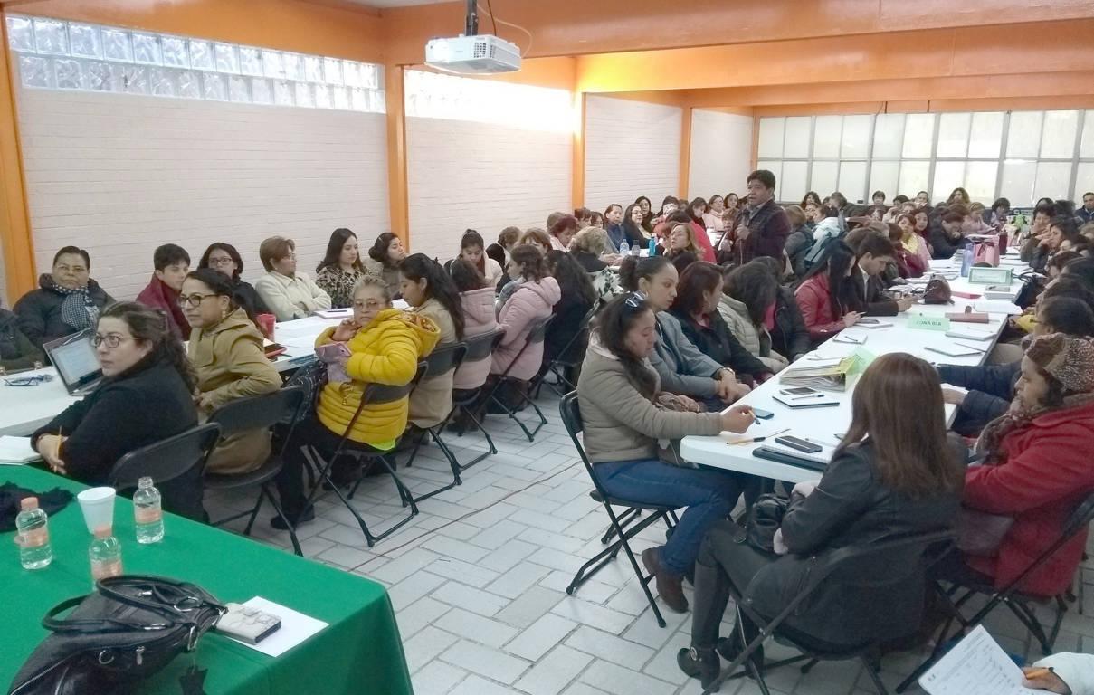 Capacita SEPE a educadoras sobre estrategias pedagógicas