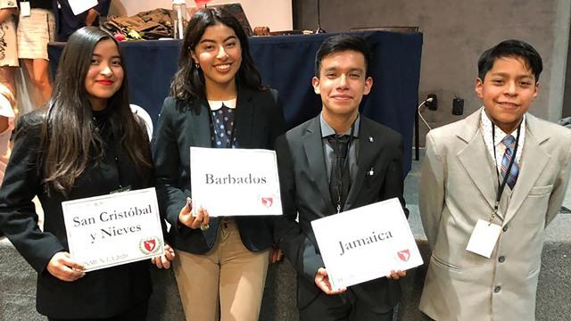 Alumnos de Tlaxcala obtienen mención honorífica en foro