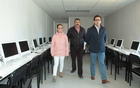 Constatan buen funcionamiento de aulas temporales en el CBTIS 211