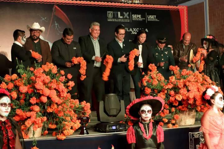 Inauguró SEPE el XXXVIII Concurso Estatal De Ofrendas