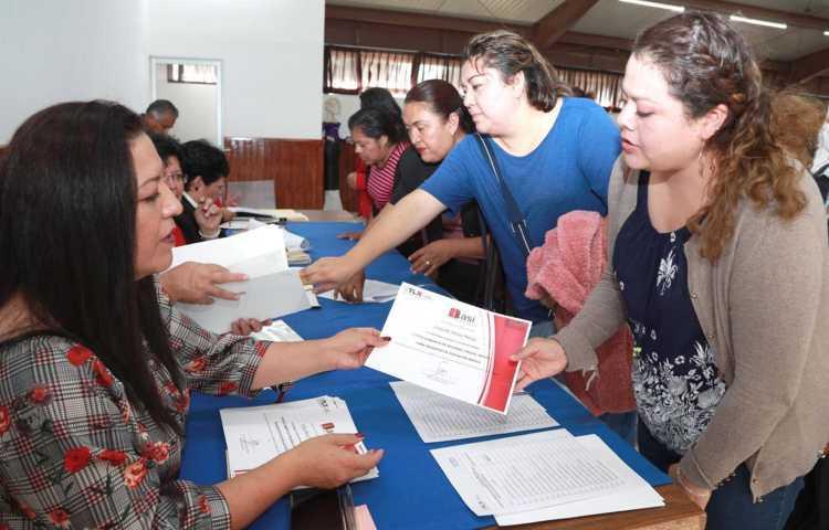 Actualiza SEPE permanentemente a docentes con diplomados y cursos
