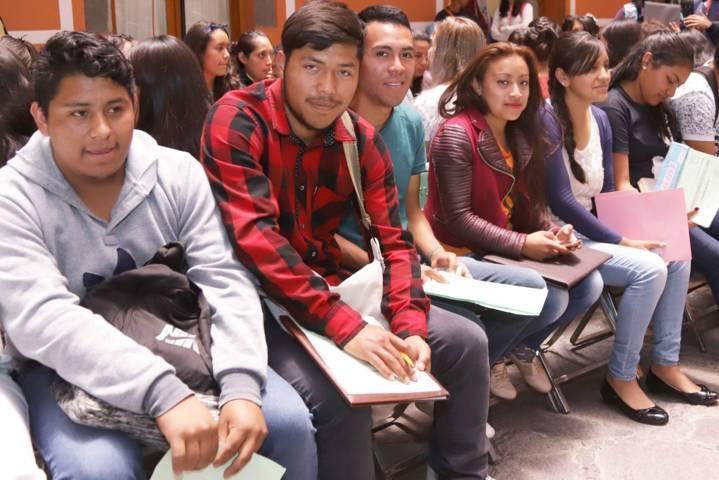 Obtienen cerca de tres mil jóvenes de cuatro municipios la beca