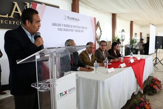 Gobierno estatal capacita a funcionarios de municipios del sur
