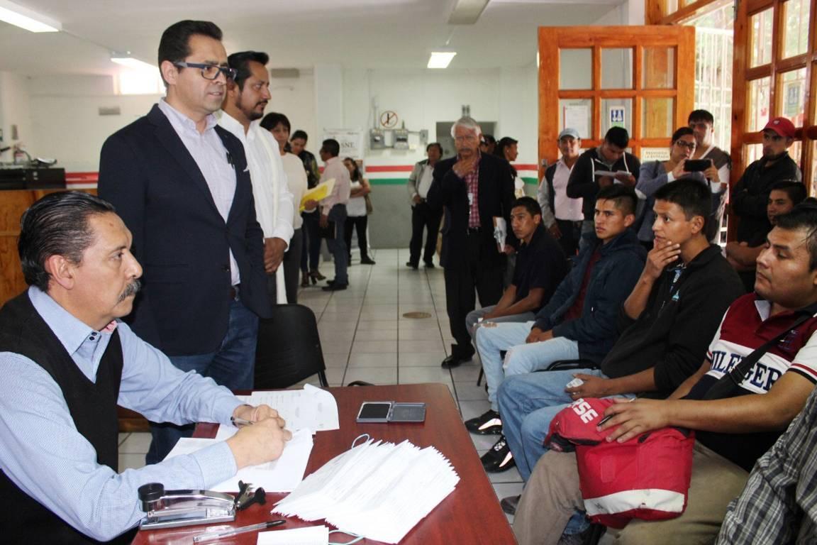 Con respaldo del Sepuede parten jornaleros tlaxcaltecas a Sonora para cultivar pepino