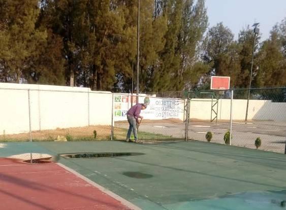 Rehabilitan espacio deportivo en Loma Xicohténcatl