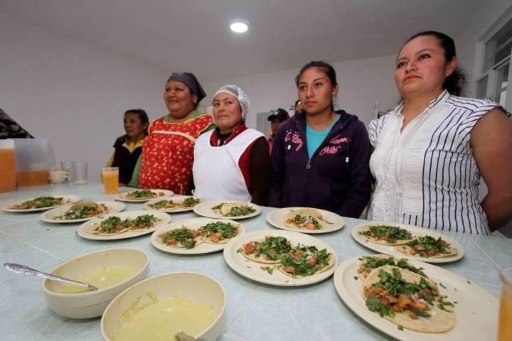 Promueve SESA hábitos alimenticios saludables entre la población