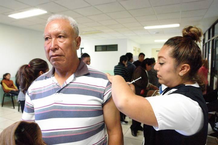 Aplicará SESA más de 348 mil vacunas contra la influenza en Tlaxcala