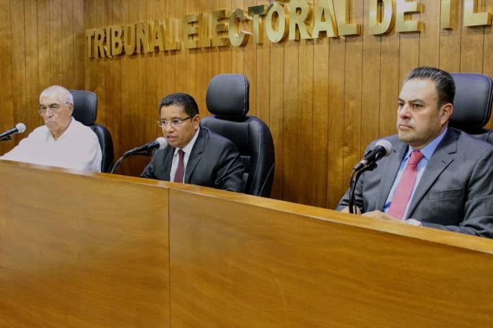 Ordena TET a la Comisión Permanente del Congreso local tomar protesta a diputados suplentes