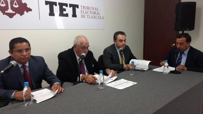 Consigna alcalde de Panotla pago a ex síndica y a cinco ex presidentes de comunidad