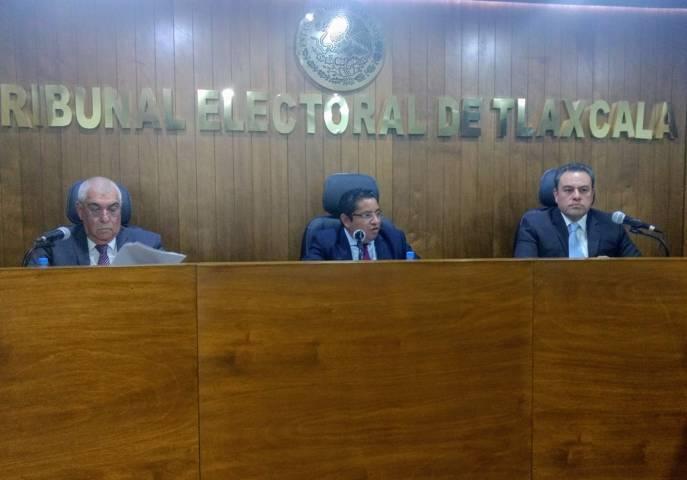 Ordena TET a edil de Ixtenco pagar salarios retenidos a síndica y tres regidores