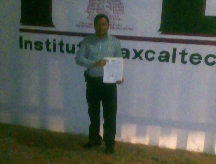 Entrega ITE constancia como alcalde electo de Terrenate a Felipe Fernández