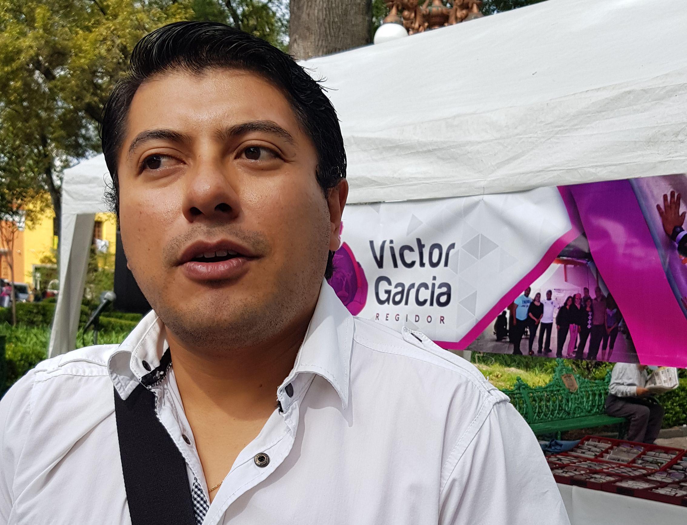 Ofrece Víctor García consultas de especialistas a bajo costo para familias capitalinas