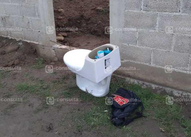 Se roban una taza de baño y casi los linchan en una comunidad de Apizaco