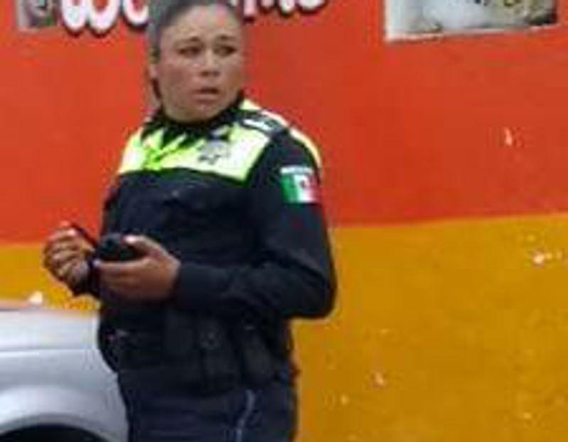Policía de Huamantla arremete contra reportera